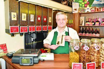 """Gheorghe Florescu:""""Cafeaua este neagră ca dracu', amară ca păcatul şi dulce ca dragostea…"""""""