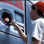 Fabrica de bere braziliană Schincariol, achiziționată recent de japonezii de la Kirin, a instalat primul automat de vending destinat reciclării PET-urilor din țară. Tehnologia prin intermediul căreia utilizatorii pot preda...