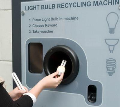 Primul automat de reciclare a becurilor