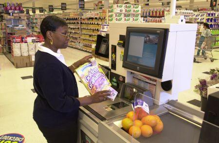 "Sistemele self-checkout produc ""pagube"" magazinelor"