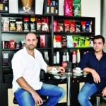 Cei doi asociați ai companiei S.C. Lumea Cafelei SRL au reușit să creeze un brand de notorietate în industria vendingului de la noi. Lucrurile nu au fost simple deloc, dar...