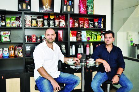 """Marian Lică și Mugur Popescu, proprietari Lumea Cafelei: """"Interacționăm foarte bine cu factorii de decizie din companiile cu care lucrăm, ceea ce ne permite să cunoaștem bine piața și să luăm decizii rapid"""""""
