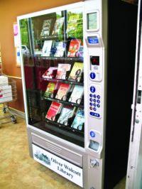 O bibliotecă din California introduce un aparat de vending cu cărți pentru copii