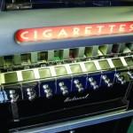 Importanța aparatelor de vending ce distribuiau țigări a fost mare, pentru că la sfârșit de secol XIX și început de secol XX, aceste automate au fost printre primele care au...