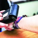 Implementaţi sisteme de plată cashless (fără numerar) sau riscaţi să excludeţi un procentaj de 54% dintre consumatori. Asta a fost prognoza pentru viitorul plăţilor în vendingul din Marea Britanie după...