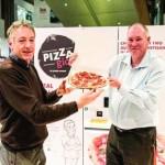 Conform lui www.dailymail.co.uk în Sydney a fost lansat primul aparat de vending cu pizza din Australia, iar deliciile în valoare de 12$ au avut un așa succes încât proprietarul se...