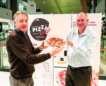 A fost inaugurat primul aparat de vending cu pizza din Australia