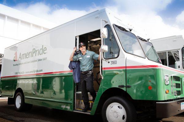 Aramark achiziționează Avendra și AmeriPride în cadrul unor tranzacții cu o valoare totală de 2,35 miliarde de dolari
