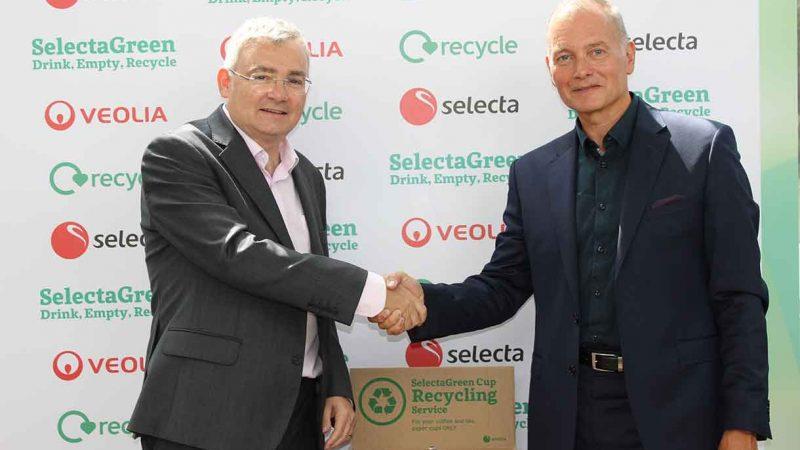Selecta UK Ltd lansează, în parteneriat cu Veolia, noul serviciu de reciclare a paharelor SelectaGreen dedicat spațiilor de lucru
