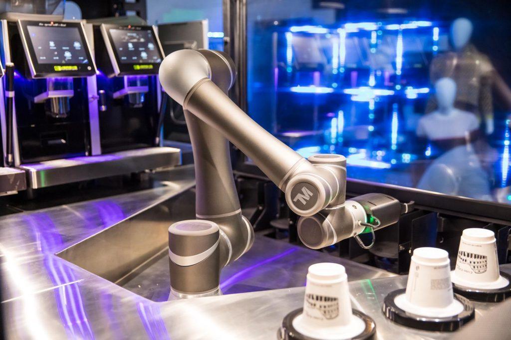 Aparat de cafea robotizat