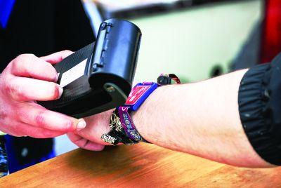 Tendința de cashless și contactless pe piața britanică de vending este în continuă creștere