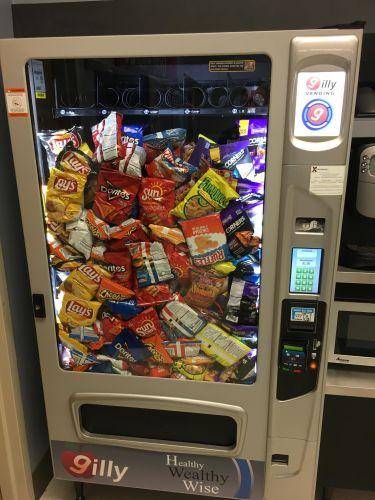 Întârzierea cu care aparatele de vending livrează produsele duce la alegerea unor gustări mai sănătoase